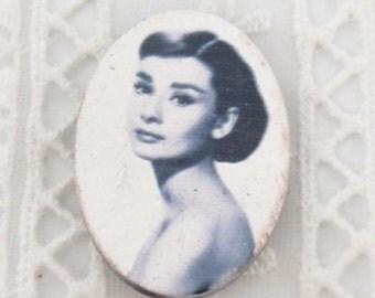 Wholesale lot 10 Pcs. 22X30mm Audry Hepburn  lady cameo