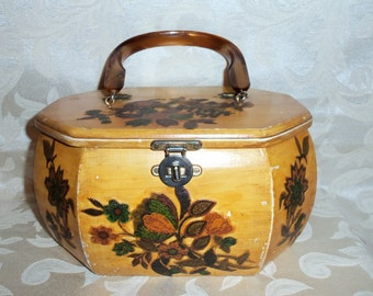 Vintage  60s Decoupage Wooden Handbag Purse with Lucite Handle