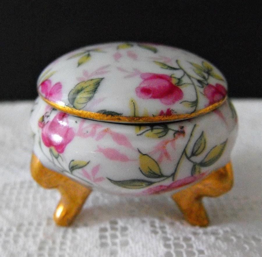 Vintage 1950s Round Porcelain Ring Or Trinket Box In Rose