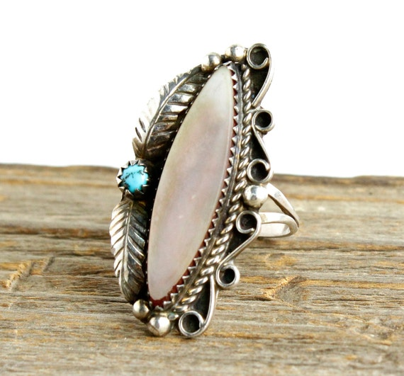 SALE - Sterling Silver Mother of Pearl Ring - Vintage Size 8.5 Native American Turquoise Ring  / Pink Lilly