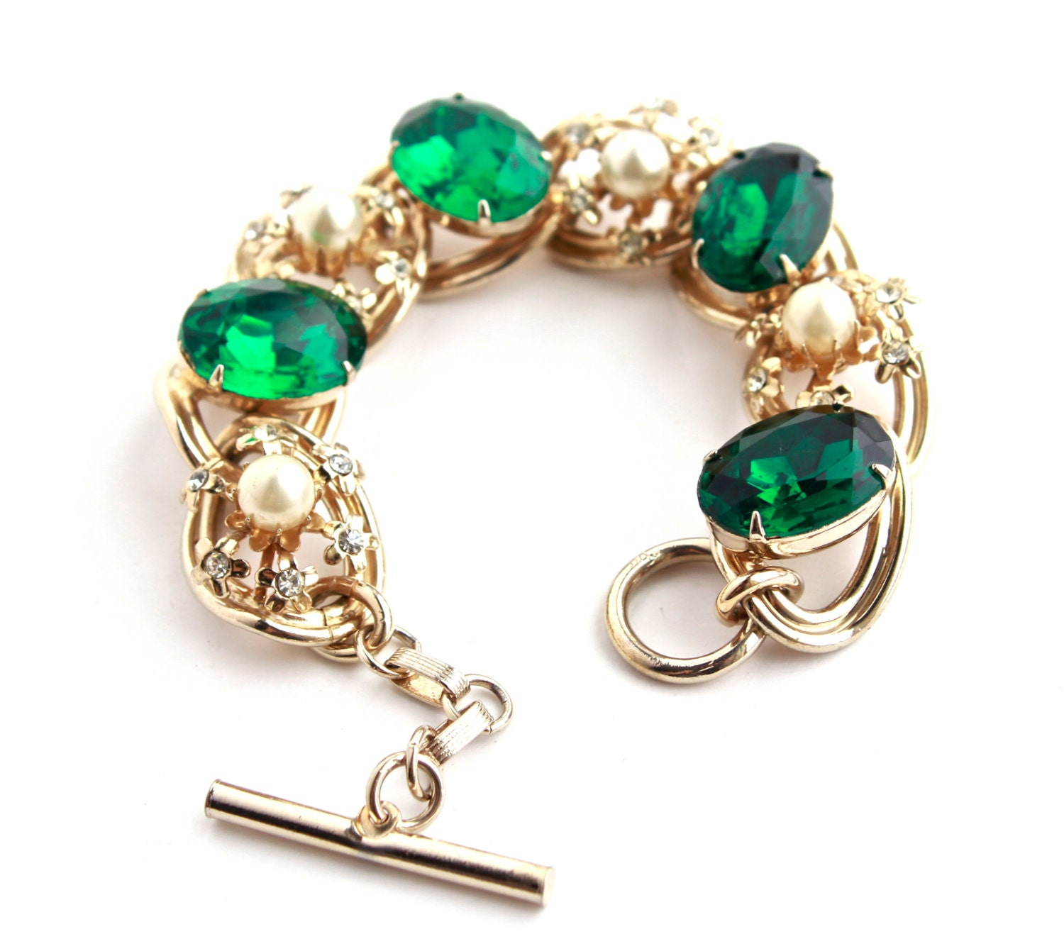 how to clean vintage metal clasp that is green