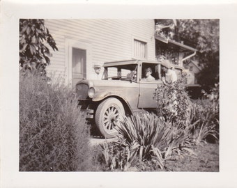 Vintage Photo - The Old Car - Vintage Photograph - Vernacular  (WW)