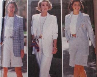 Women's Sewing Pattern - Misses/Misses Petite Jacket, Shorts, Pants and Top - Butterick 6651 - Sizes 18-20-22, Bust 40 - 44, Uncut