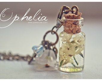 Dried flowers Bottle necklace. Glass Vial necklace with flowers. Miniature terrarium necklace dried flowers pendant gardening gift for women