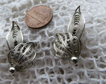 Pretty Silvertone Filigree Leaves Clip on Vintage Earrings