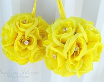 Wedding flower ball pomander Yellow flower girl kissing ball Wedding decorations Bridesmaid bouquets