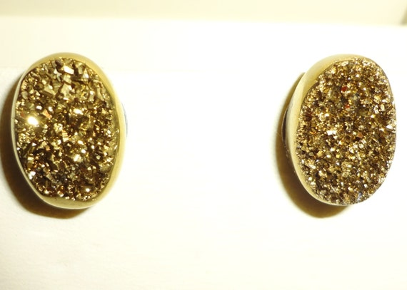 17 cts Natural Agate Gold Dust Titanium Druzy, Drusy Geode,14kt White Gold Post Pierced Earrings