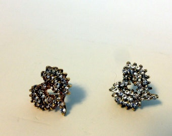 vintage free form heart sparkly pierced Valentine earrings