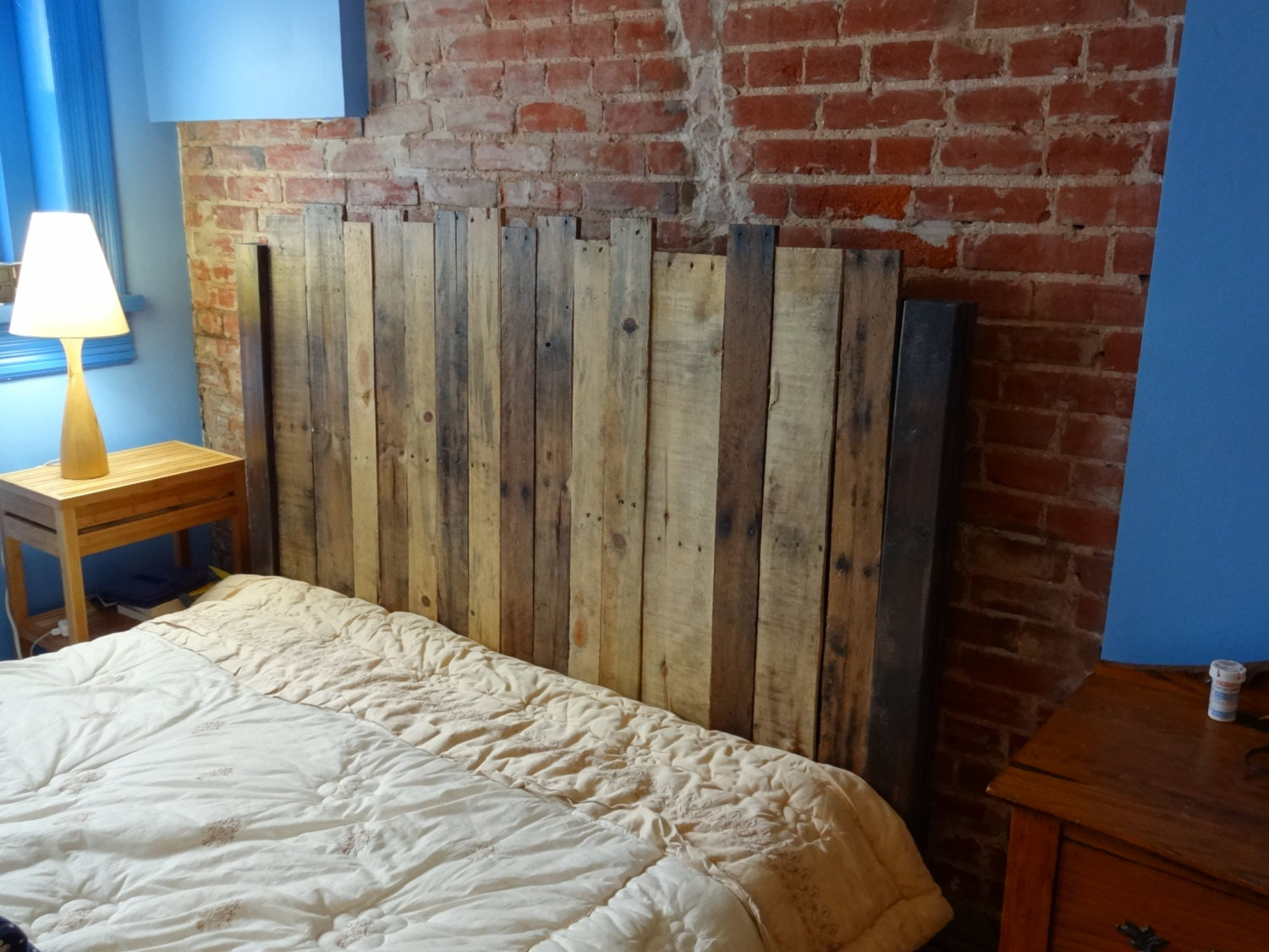 twin size reclaimed wood headboard. Black Bedroom Furniture Sets. Home Design Ideas