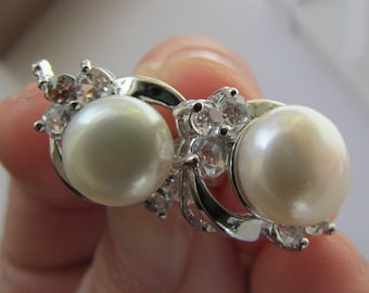 Lovely Smooth White Round AAA Potato Fresh Water Pearl with Crystal Silver Smooth Stud Earrings