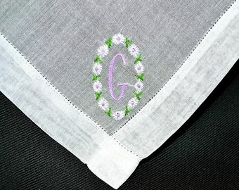 VINTAGE MONOGRAM HANKIE, Letter G, Cotton, Lavender Embroidery White Daisies on White Cotton, Hem Stitching, Excellent Condition