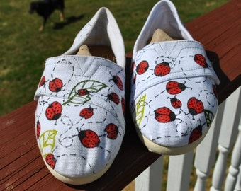 SOLD Lady Bug Lovers hand painted sneakers size 5.5