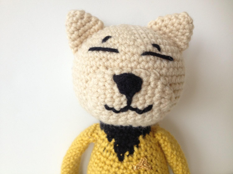 Amigurumi Star Trek : Star Trek Captain Kirk Crochet Cat Yellow Shirt by pigswife