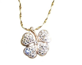 Shamrock pendant necklaces....Get Lucky