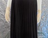 Vintage Black Classic Pleated 70's/80's Secretary Skirt  M