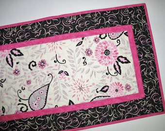 Valentine Table Runner  with Paisley accents Quilted fabric from Free Spirit and RJR