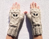 Cream Owl cable knit fingerless Hand knit