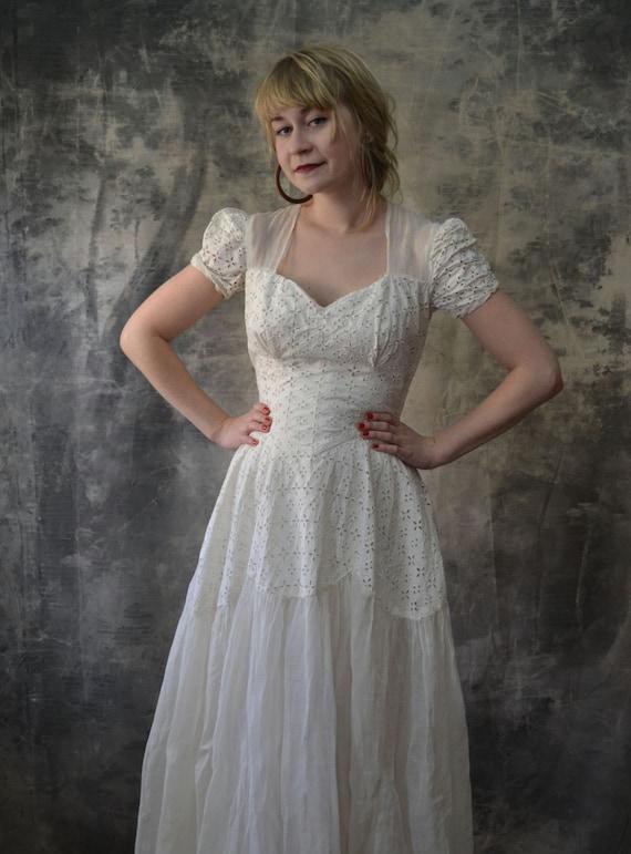 1940s White Eyelet Lace Wedding Dress