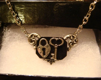 Victorian Style Heart Lock and Key Necklace in Antique Silver (1115)