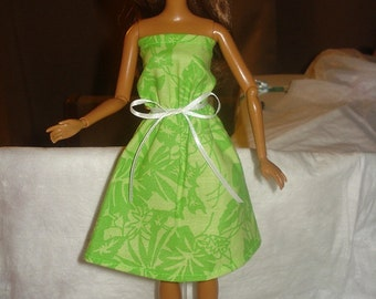 Bright green leaf print sundress for Fashion Dolls - ed350