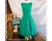 60s - Gemini - green and blue sleeveless floral brocade cocktail dress - size S