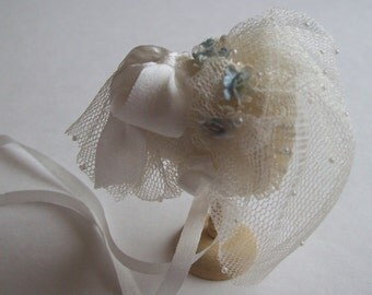 Handmade 1/12 dollhouse beautiful ivory silk veiled bonnet