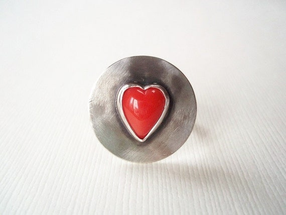 Red Heart Ring. Red Glass Heart in Sterling Silver Ring. Modern Jewelry. Size 6