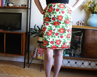 Pencil Skirt Red Roses - XLarge sale!