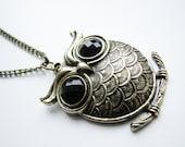 Vintage Owl Pendant Necklace II, brass chain necklace, owl black eyes necklace, owl necklace, cute owl necklace, owl charm necklace