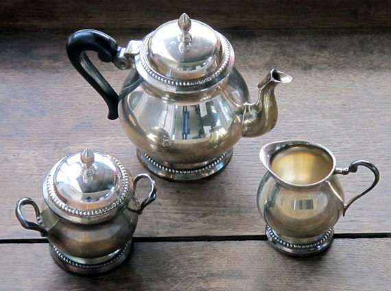Vintage French pretty coffee pot or teapot set, with milk pot and sugar pot in miror metal, shabby chic style