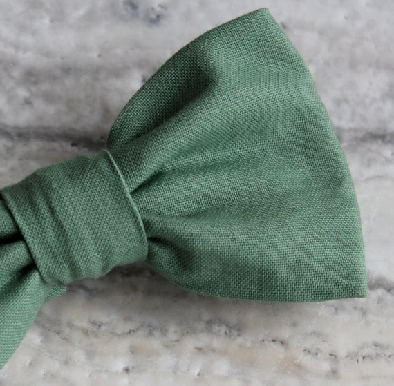 Bow Tie in Solid Sage Green for Men - Clip on, pre-tied with strap or self tying - Groomsmen gifts
