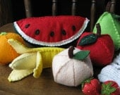 Waldorf wool felt fruit set