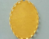 10 Gold Pendant Cabochon Settings, Golden Brass Lace edged Oval Setting - 13x18mm inner.