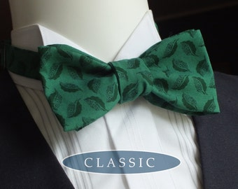 Bow tie - green cotton print fabric / freestyle bowtie - I make freestyle bowties for men.