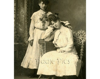 Antique Photo | Victorian Girls | Vintage Lace Jewelry Flowers | Vintage Photography