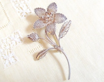 Vintage Silver Filigree Flower Brooch Pin - Stamped 950 Silver - Delicate Detail Silver Flower and Leaves