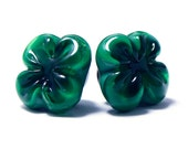Glass shank button green four leaf clover