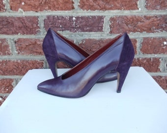 SALE Deep Eggplant Purple Leather & Suede Ellen Tracy Pumps - Unique Heels - Classic - Dark - Retro Mod - Italy - Size 7 - 7.5 - N - Narrow