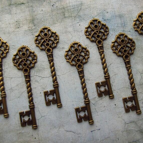 Fairlie Antique Bronze/Brass Skeleton Key  - Set of 10