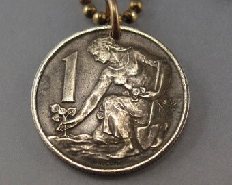 Czechoslovakia necklace. CZECHOSLOVAKIA COIN jewelry. czech necklace. coin. czech coin . brass coin. patina. chain No.001493