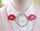 Valentine's Day Wife Girlfriend Gift Kiss Sexy Smile Red Lips Love Trend Double Collar Pin Brooch