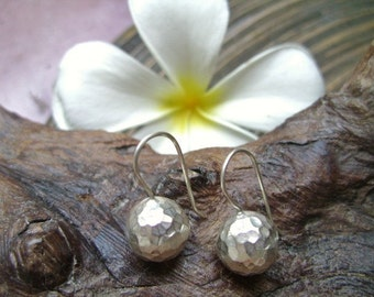 Thai Hilltribe Hammered Silver - The Silver Ball (8)