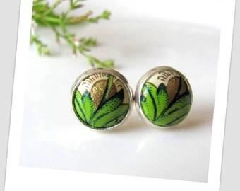 Green leafs paper stud earring