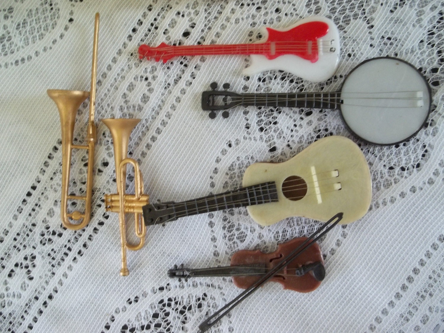 ViNtAge Cake Decorations/Band Instruments/Music
