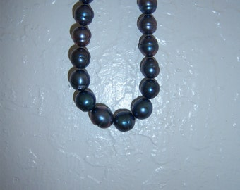 14K White Gold Tahitian Irridescent Dark Blue Black Pearl Necklace, 18 inch