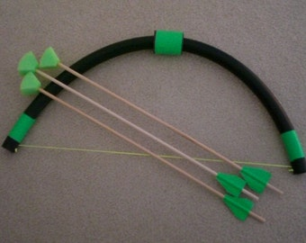 Archery Mini Bow set for young children, 3 foam tipped arrows, activity fun toy