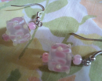 piNK fLoRaL Lampworked glass earrings FREE SHIP TO U.S.:)