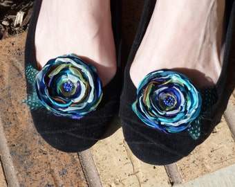 Peacock Inspired Flower Shoe Clips with Feather Accents
