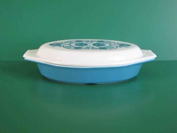 Vintage Blue / Turquoise 1 1/2 Quart PYREX Split Cassarole Dish