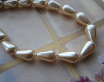 12x7mm Czech Creme Pearl Glass Teardrop Beads 12Pcs.